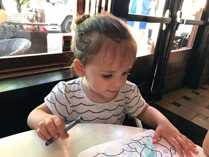 crayons-restaurants-toddlers.jpg